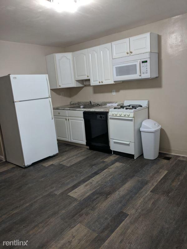 327 Meyran Ave 1, Pittsburgh, PA - 1,600 USD/ month