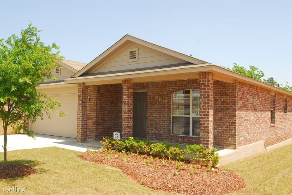 10341 English Manor Dr, Gulfport, MS - 1,395 USD/ month