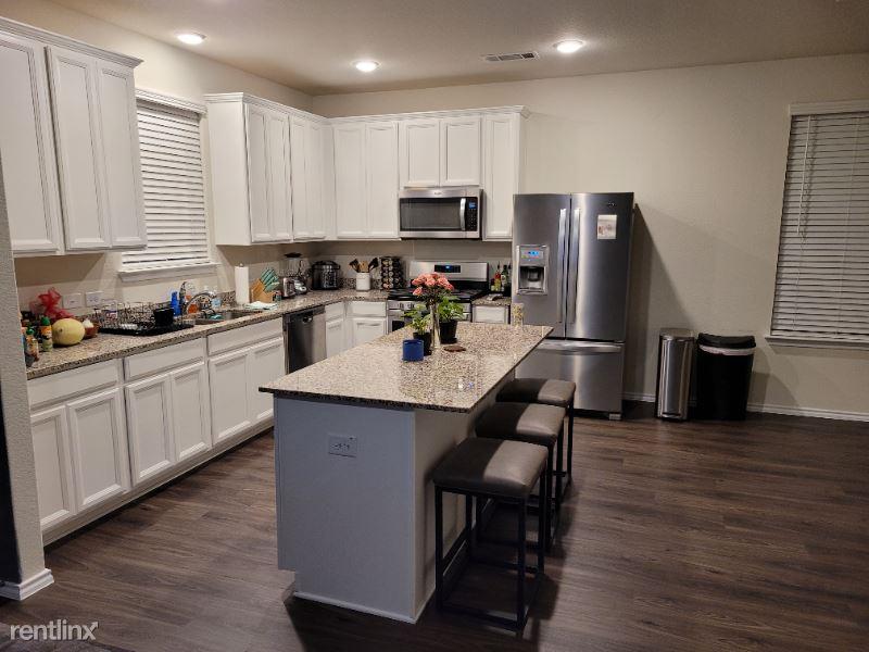 Jasper Stream Court, Houston, TX - 600 USD/ month