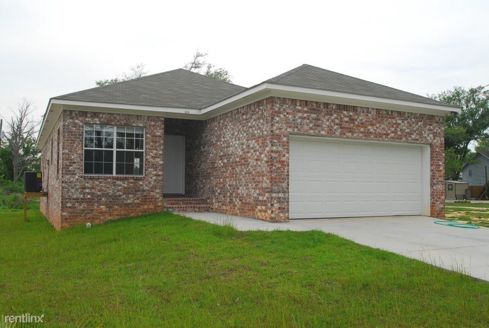 213 Texas Ave, Gulfport, MS - 1,395 USD/ month