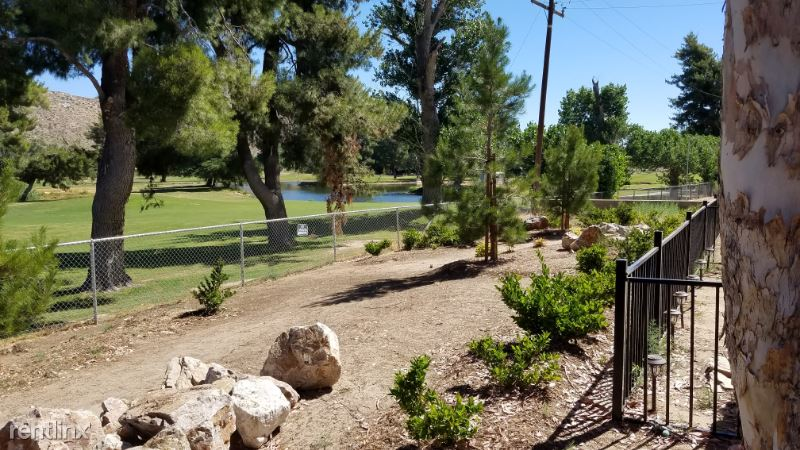55220 Airlane Dr, Yucca Valley, CA - 1,450 USD/ month