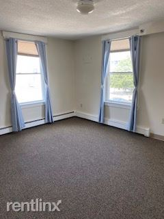 251 Pine St, Manchester, NH - 950 USD/ month