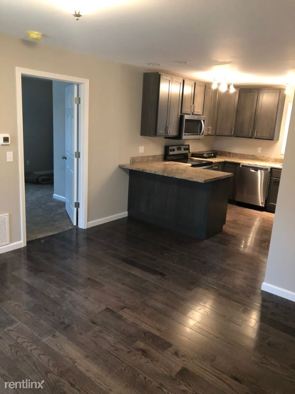 1355 Charleston Ave, Huntington, WV - 900 USD/ month