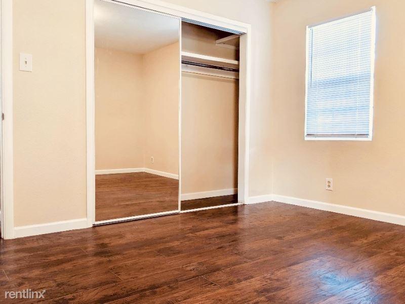 2732 Mesilla St NE, Albuquerque, NM - 550 USD/ month