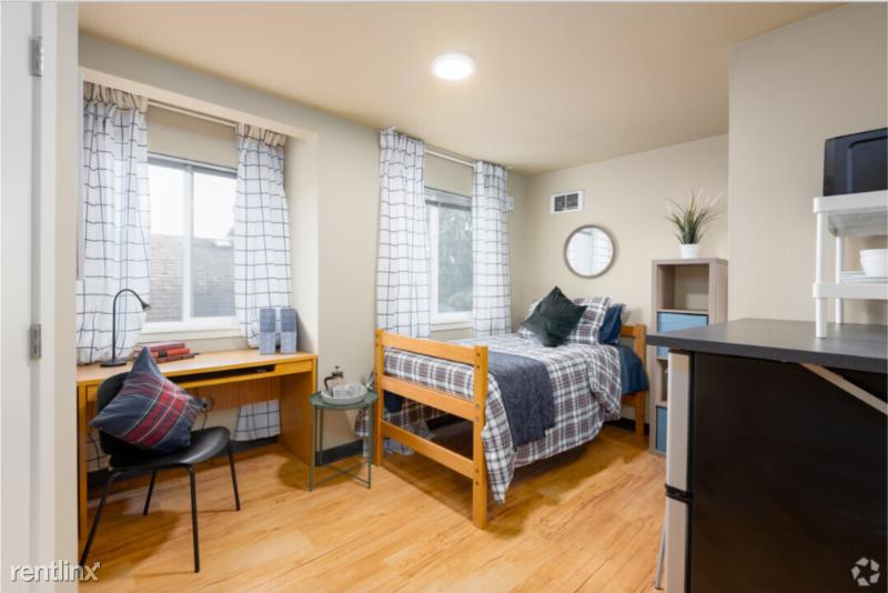 4754 18th Ave NE, Seattle, WA - 750 USD/ month