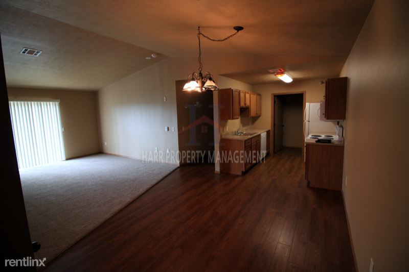 4520 E. 53rd St. 306, Sioux Falls, SD - 900 USD/ month