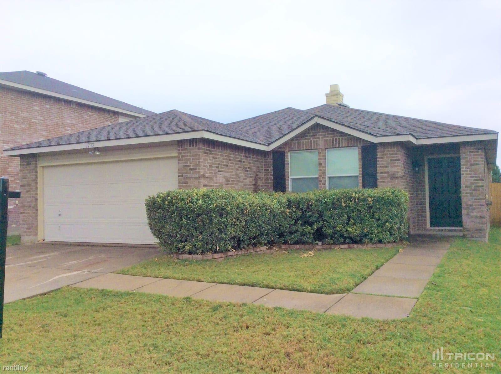 1733 Sierra Meadow Lane, Justin, TX - 1,799 USD/ month