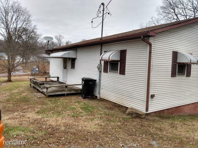62 Lick Creek Rd, Buncombe, IL - 700 USD/ month