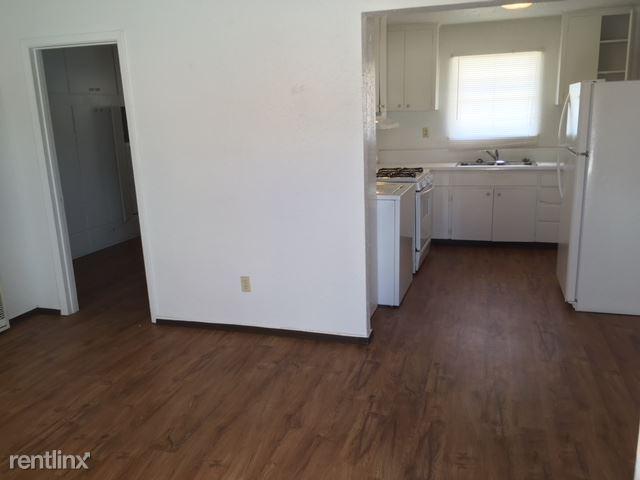 117 S Boston Ave, Portales, NM - 465 USD/ month