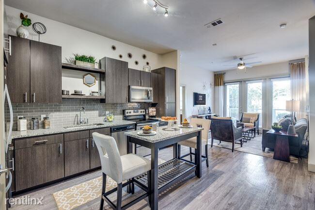 23771 Springwoods Village Pkwy, Spring, TX - 1,850 USD/ month