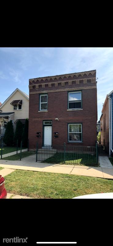1219 S 49th Ave 1F, Cicero, IL - 895 USD/ month