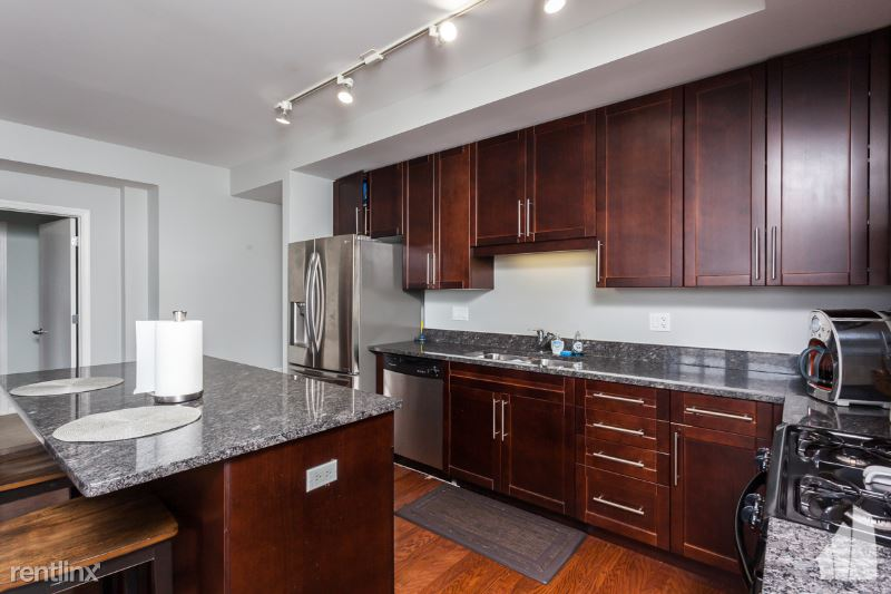 744 W Fullerton Ave 302, Chicago, IL - 302 USD/ month