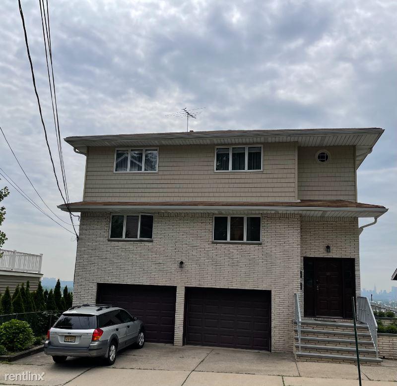 5th St., Carlstadt, NJ - 3,000 USD/ month