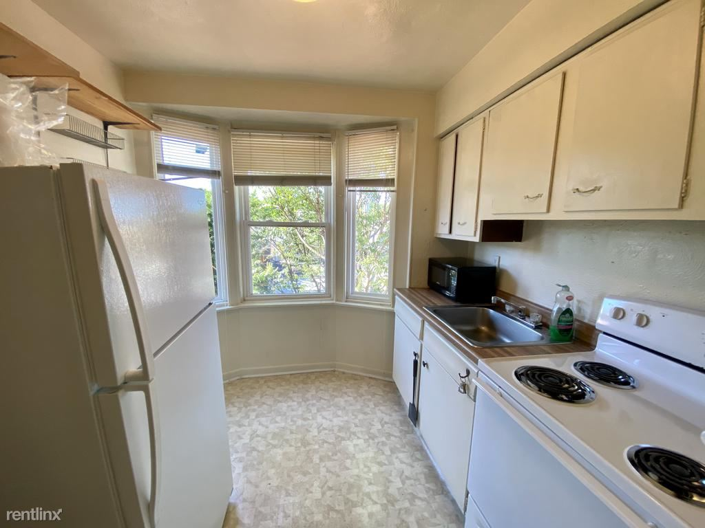 823 Lilac St Unit 2, Pittsburgh, PA - 795 USD/ month