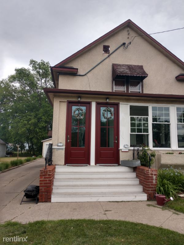 1107 10 th St N B, Fargo, ND - 875 USD/ month
