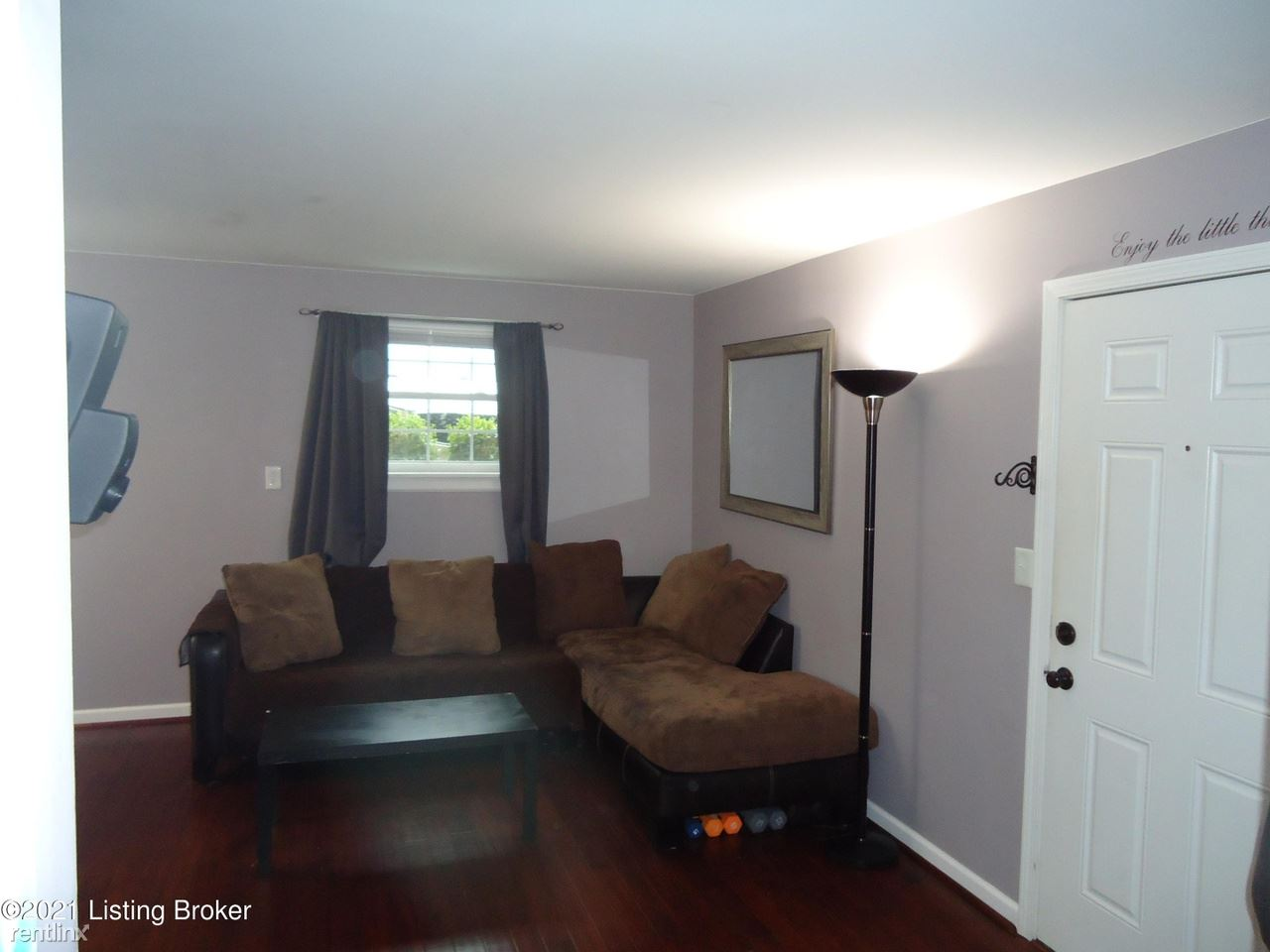 120 Middletown Sq, Louisville, KY - 900 USD/ month