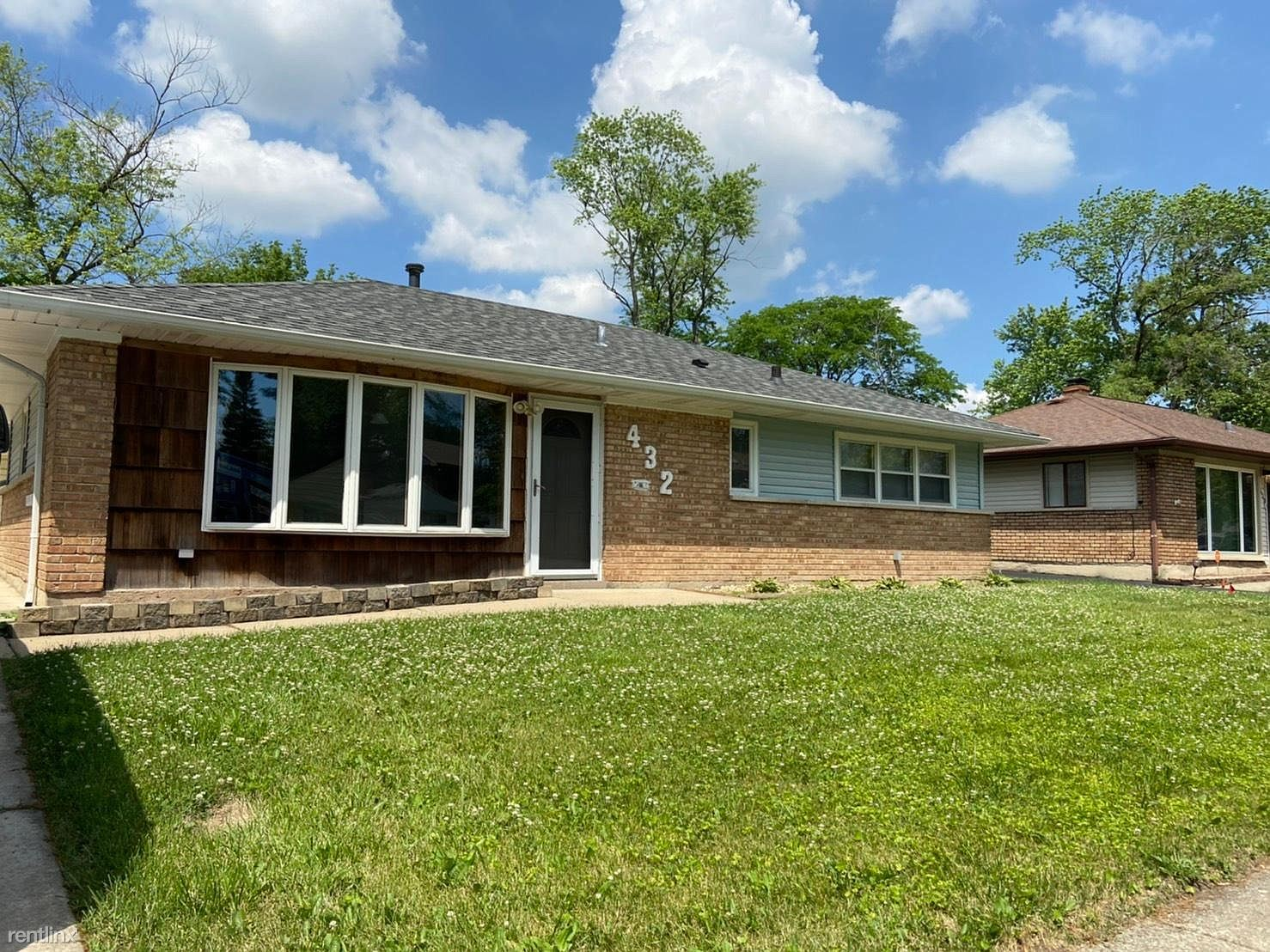 432 Niagara St, Park Forest, IL - 1,300 USD/ month