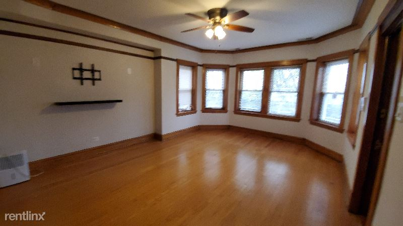 5328 W Parker Ave 2 FL, Chicago, IL - 1,550 USD/ month