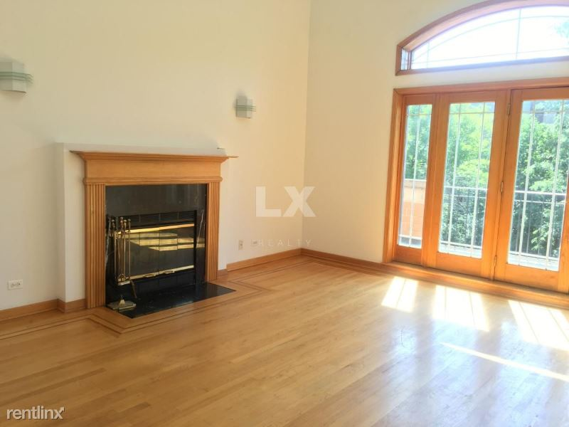 4103 N Kenmore Ave, Chicago, IL - 2,195 USD/ month