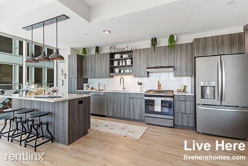 1010 Lake Street 1616, Oak Park, IL - 2,790 USD/ month