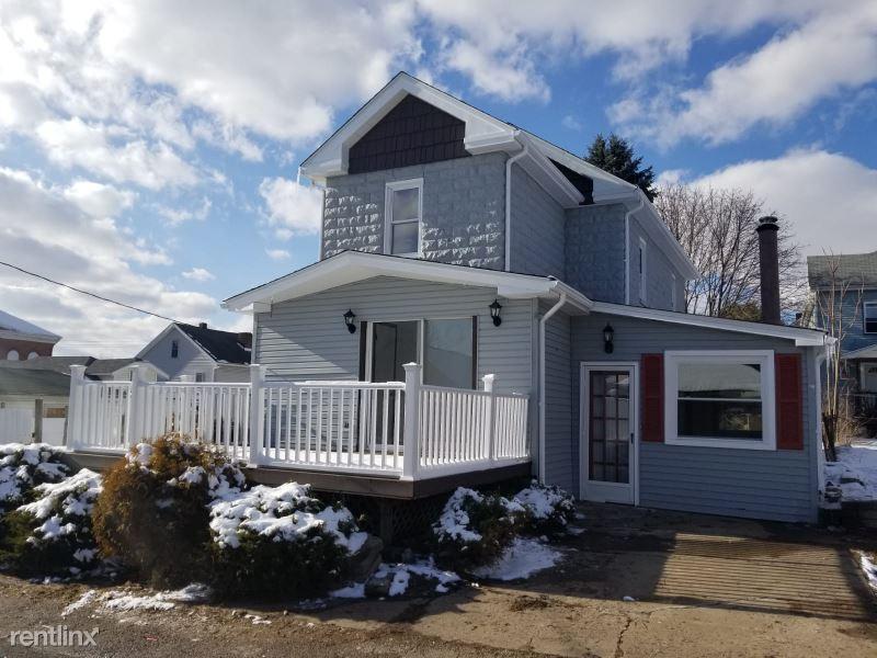 668 1/2 Addison St, Washington, PA - 1,050 USD/ month
