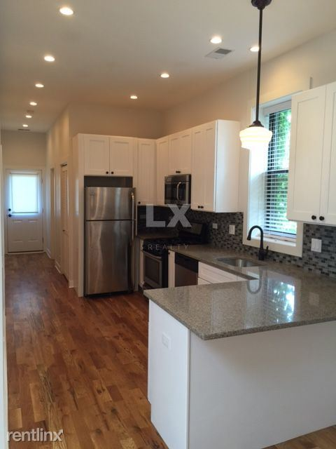 230 W Willow St, Chicago IL, Chicago, IL - 3,995 USD/ month
