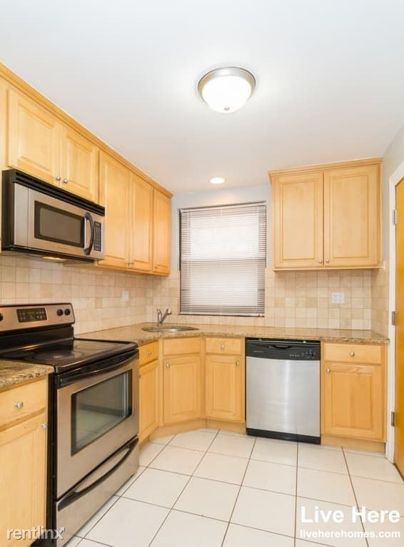 7328 North Ridge Blvd 2E, Chicago, IL - 1,095 USD/ month