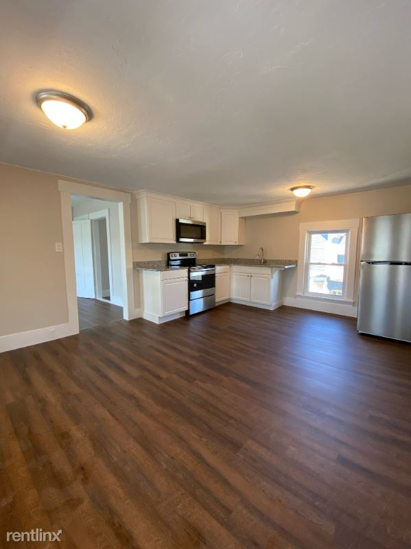 111 S State St, Concord, NH - 2,050 USD/ month