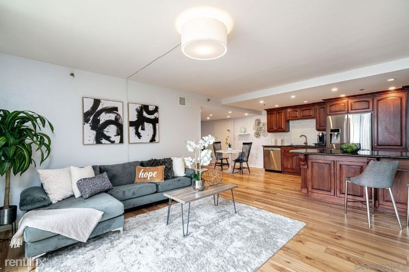 8th Ave, San Diego, CA - 1,200 USD/ month