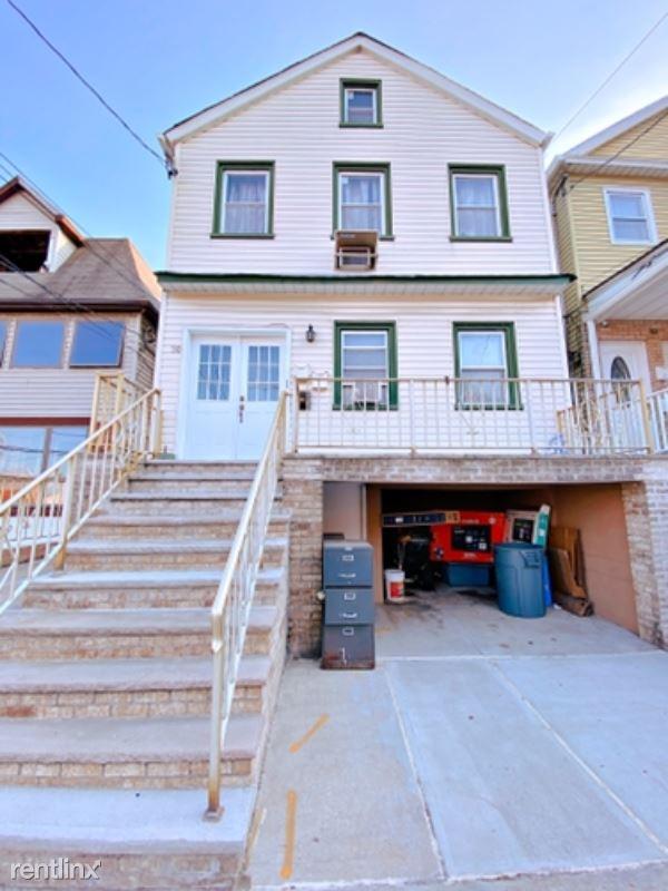 30 W 22nd St, Bayonne, NJ - 1,750 USD/ month