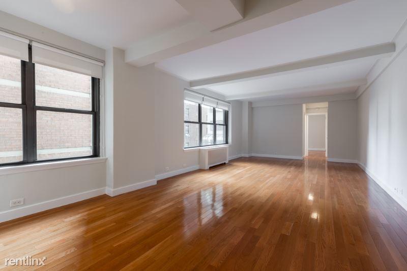 E 58th St, New York, NY - 3,500 USD/ month