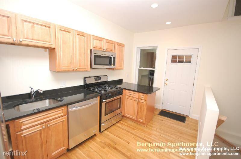 172 Fuller St 01, Brookline, MA - 3,595 USD/ month