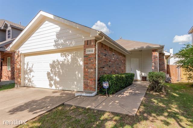 11512 Gloriosa Drive, Ft Worth, TX - 1,900 USD/ month