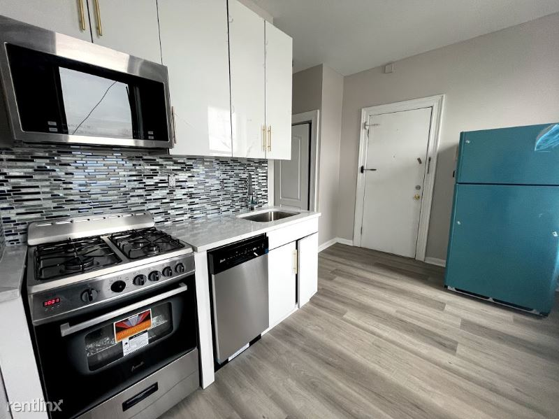 5206 Bergenline Ave 15, West New York, NJ - 1,450 USD/ month