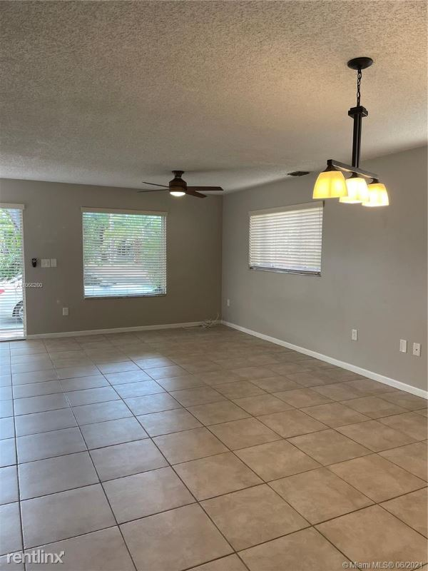 3477 SW 3rd Ave # A, Miami, FL - 2,950 USD/ month
