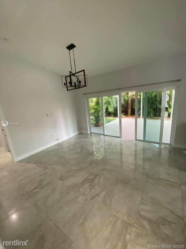 14860 SW 32nd St, Miami, FL - 3,000 USD/ month