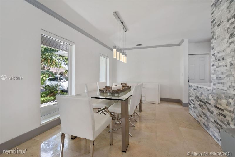 1441 Agua Ave, Coral Gables, FL - 6,000 USD/ month