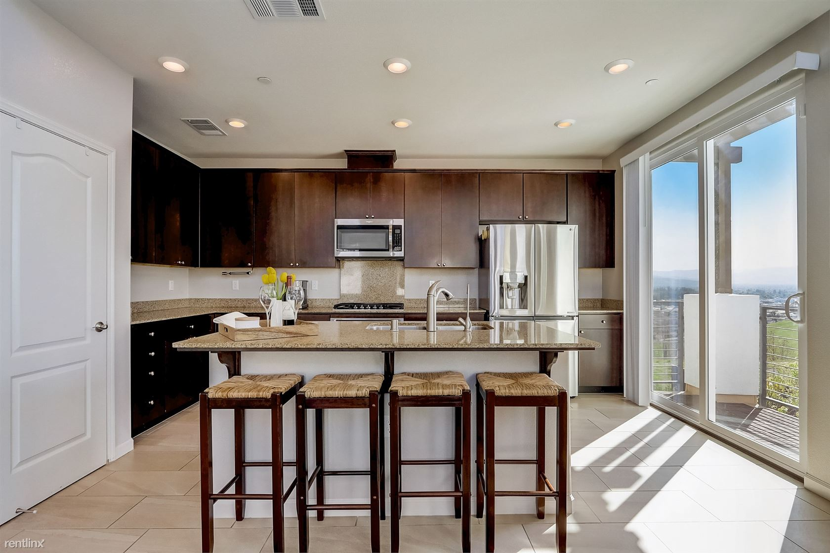 218 William Manly St, San Jose, CA - 985 USD/ month