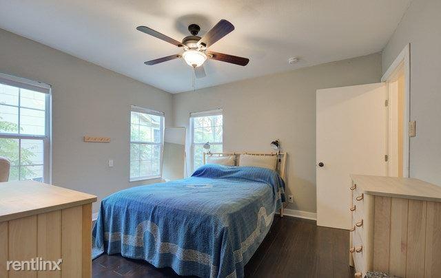 1931 Schley Ave, San Antonio, TX - 985 USD/ month