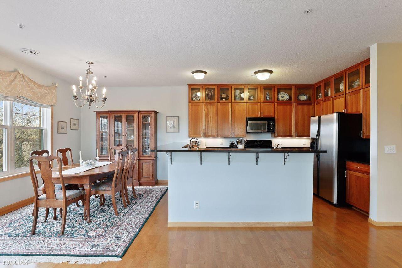 1071 Cleveland Ave S, Saint Paul, MN - 985 USD/ month