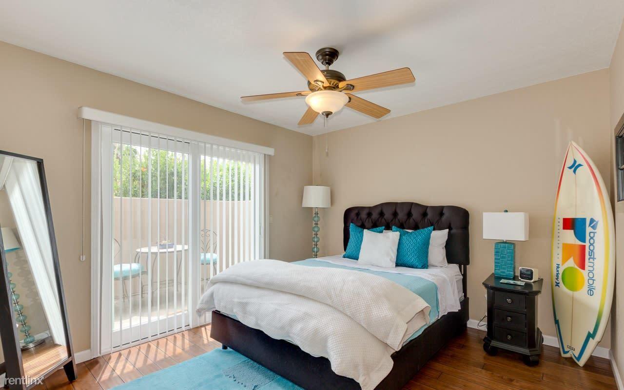 3034 E Stella Ln, Phoenix, AZ - 985 USD/ month