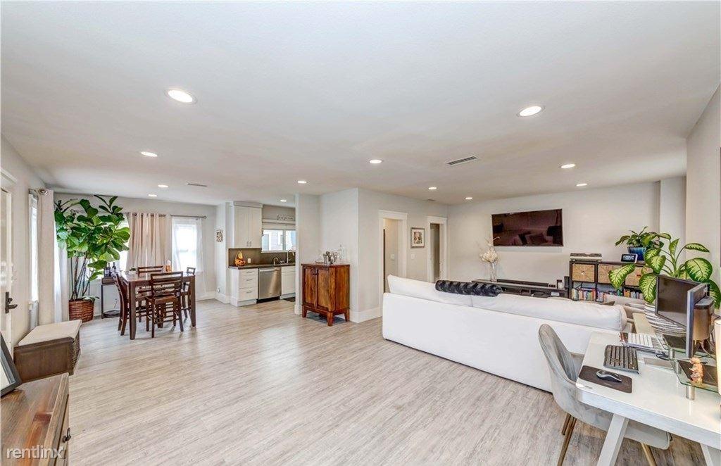2928 E Mariquita St, Long Beach, CA - 985 USD/ month