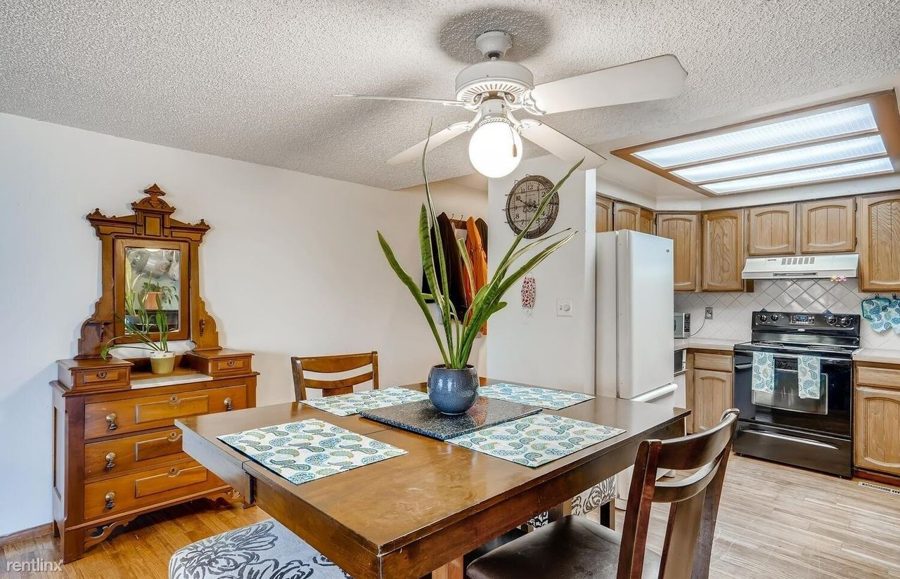 701 Harlan St, Lakewood, CO - 985 USD/ month