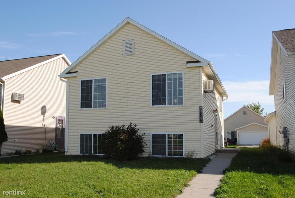 1958 57th Ave S, Fargo, ND - 1,300 USD/ month
