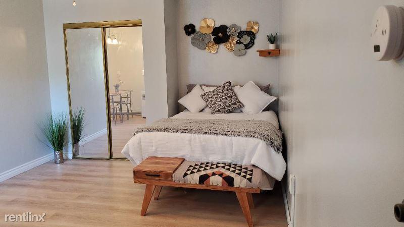 11111 Lake Manor, Chatsworth, CA - 1,600 USD/ month