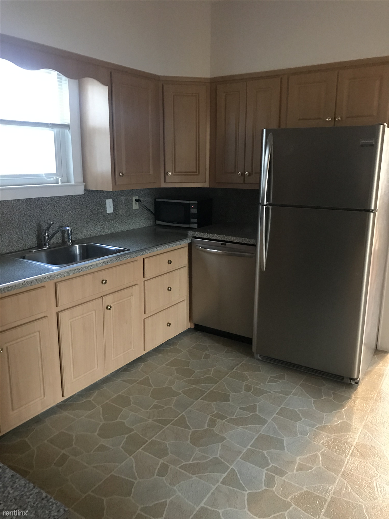 35 Parsons St, Harrison, NY - 2,900 USD/ month