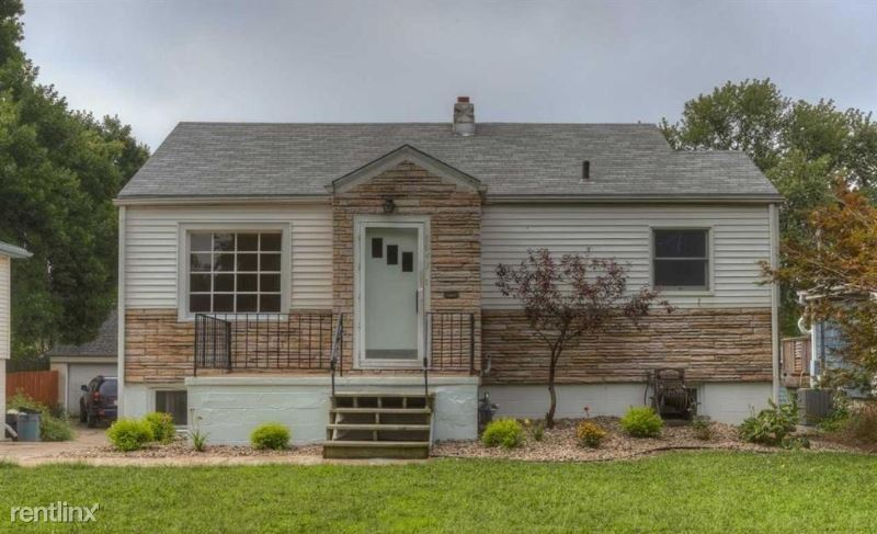 6843 Leavenworth St, Omaha, NE - 1,500 USD/ month