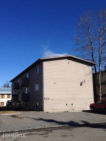901 E 12th Ave, Anchorage, AK - 950 USD/ month