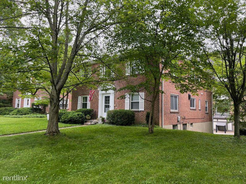 6963 Thorndike, Cincinnati, OH - 795 USD/ month