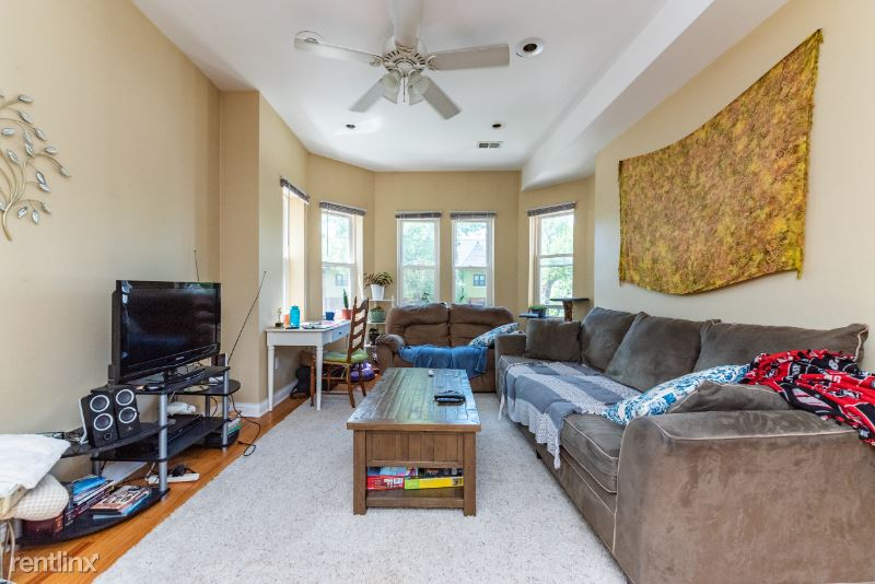 1431 N Fairfield Ave 2, Chicago, IL - 2,000 USD/ month